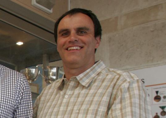 Der frühere Profischwimmer Rafael Escalas plädiert für Geduld bei der Stimmauszählung.