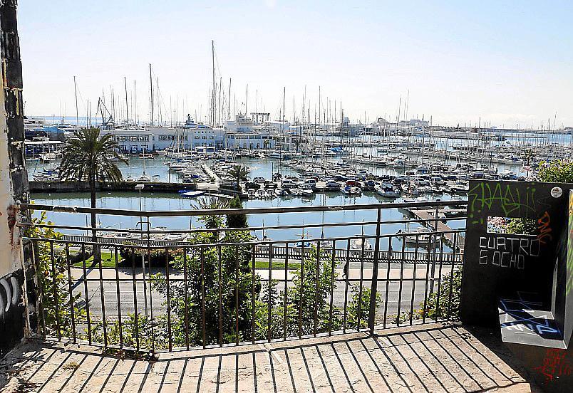 """Aufgrund des Ausblicks über Palmas Hafen hat Es Jonquet den Beinamen """"Balkon von Palma""""."""