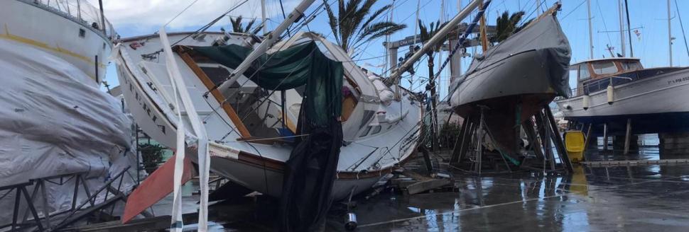 Im Hafen von Palma riss der Sturm Yachten im Trockendock von ihren Sockeln.