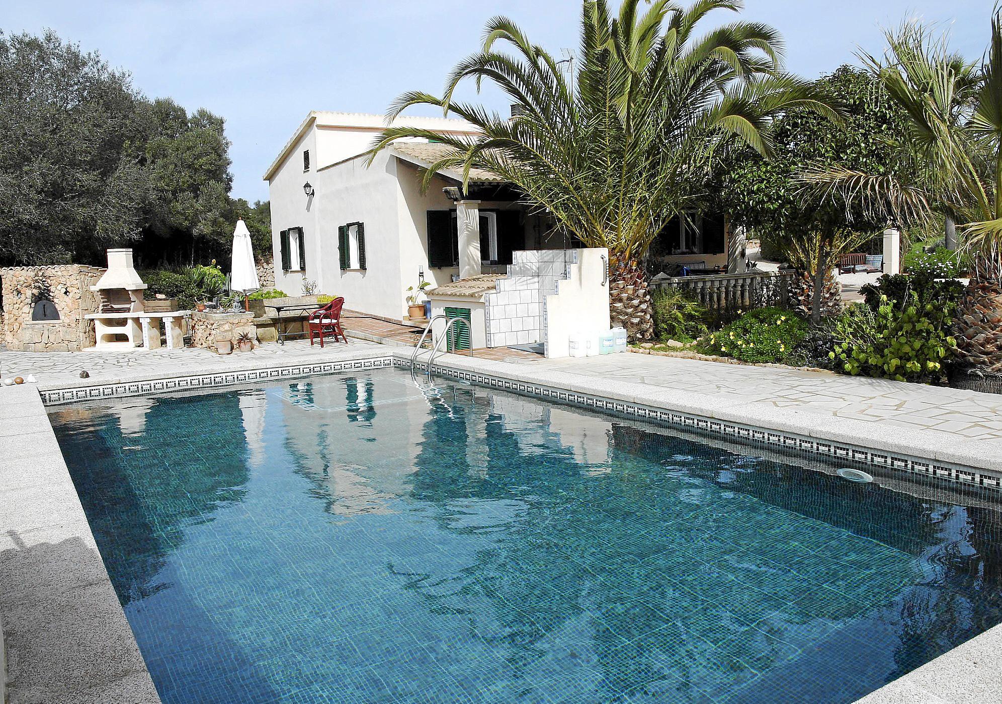 So überwintert ein Pool auf Mallorca
