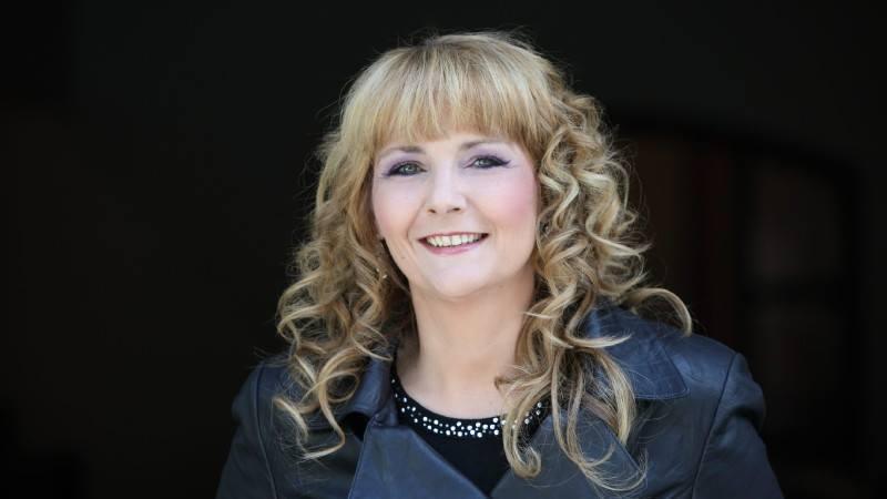Helena Fürst verkauft auf Facebook einen Abend