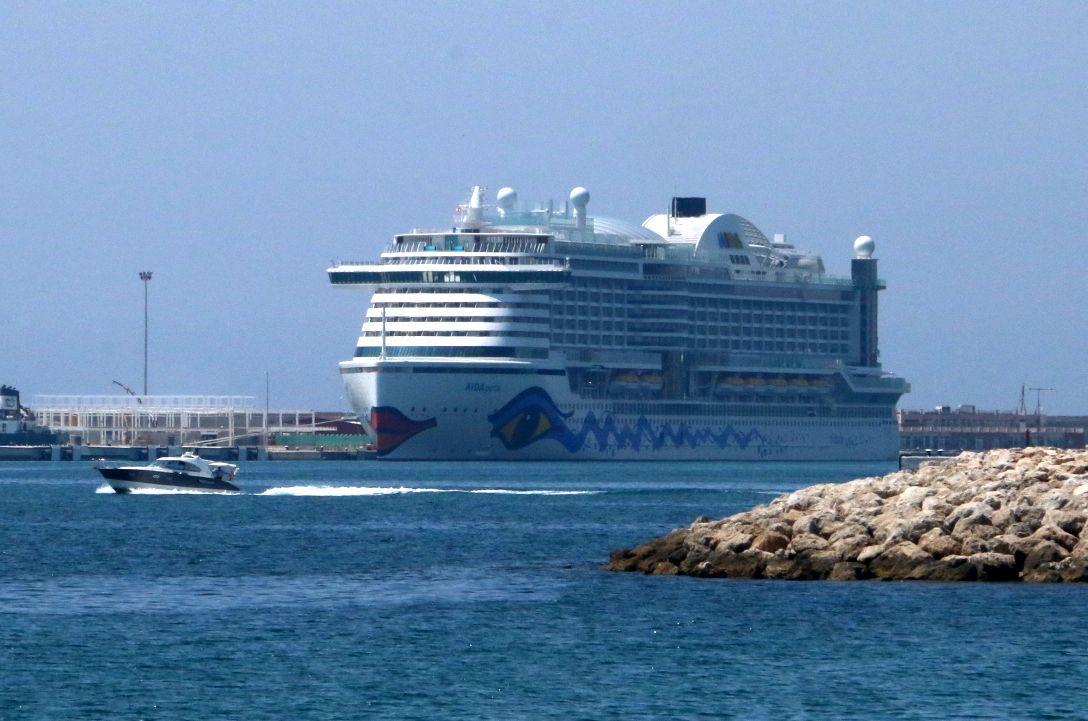 Aida Perla Hat Heimathafen Auf Mallorca Erreicht