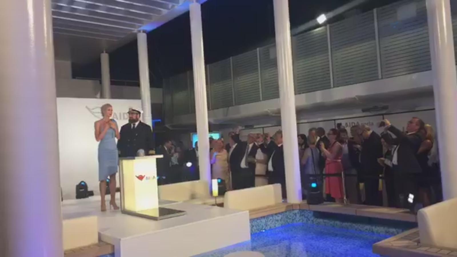 Aida Perla Gelungene Schiffstaufe Auf Mallorca