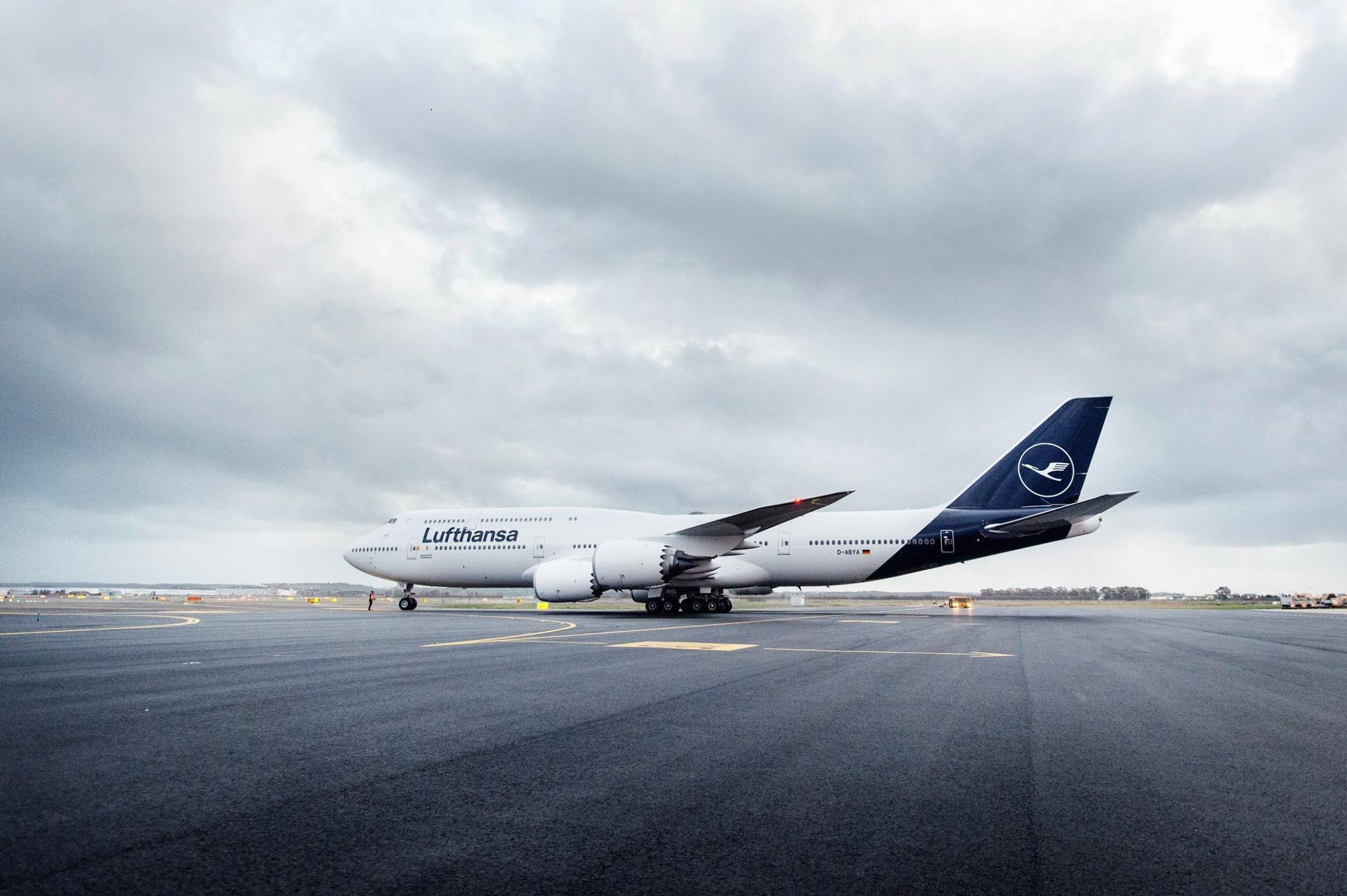 Lufthansa Hat Neues Logo Und Will öfter Nach Mallorca