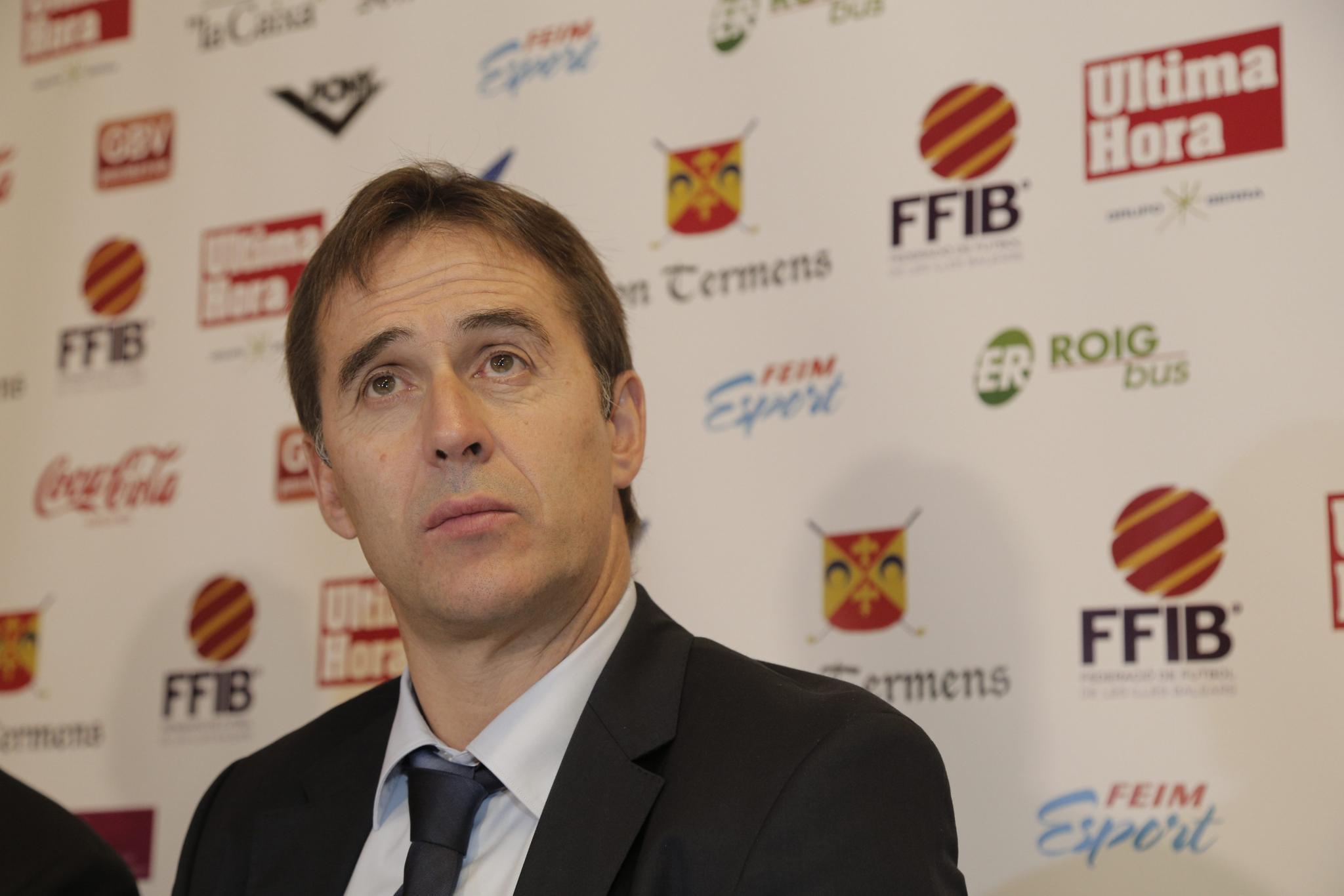 Ein Tag Vor Wm Spanien Feuert Nationaltrainer