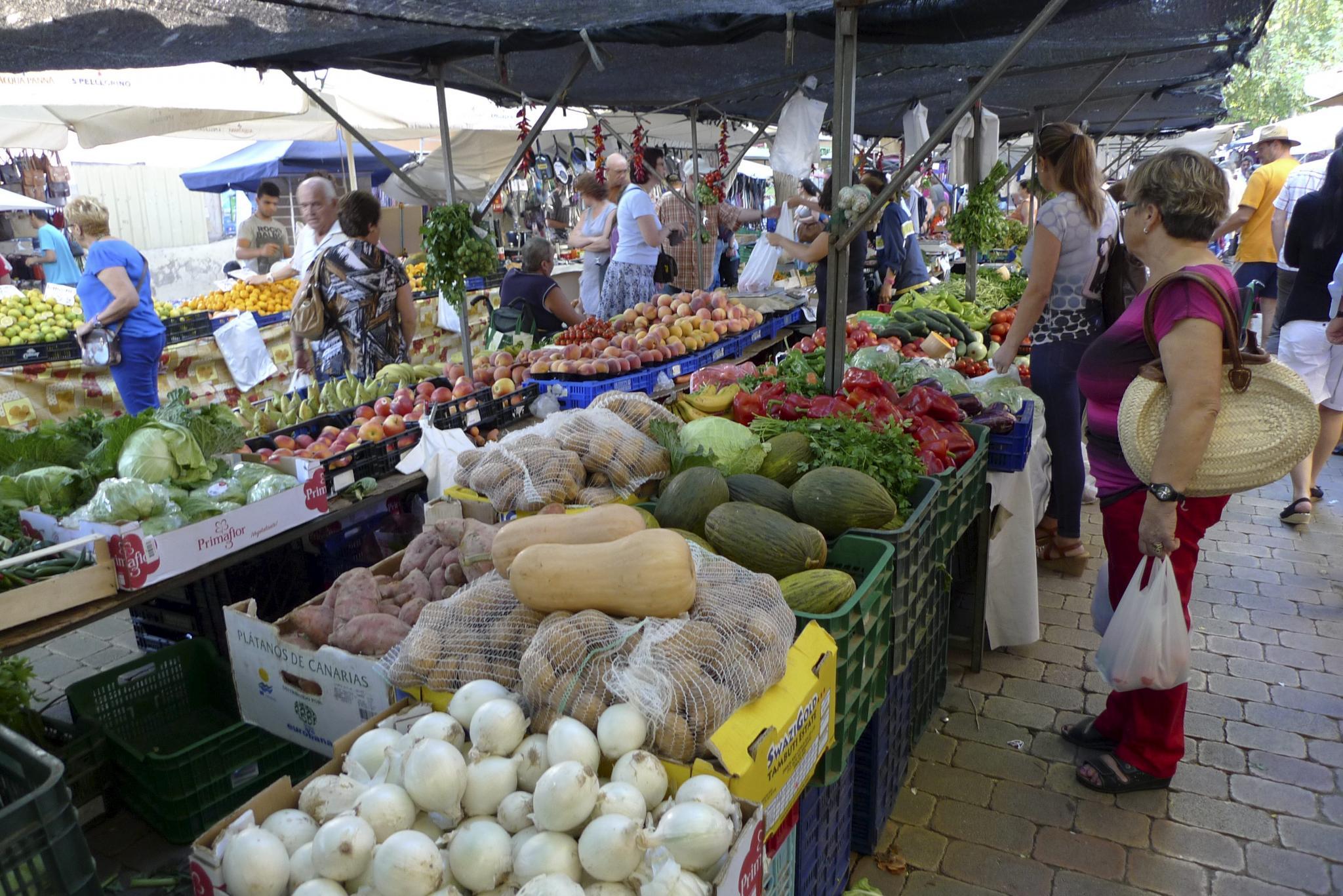 ALCUDIA. MERCADOS. Mercado de Alcúdia al aire libre.