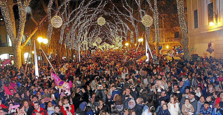 Ab Wann Weihnachtsbeleuchtung.Weihnachtsbeleuchtung In Palma De Mallorca Leuchtet Ab 28 11