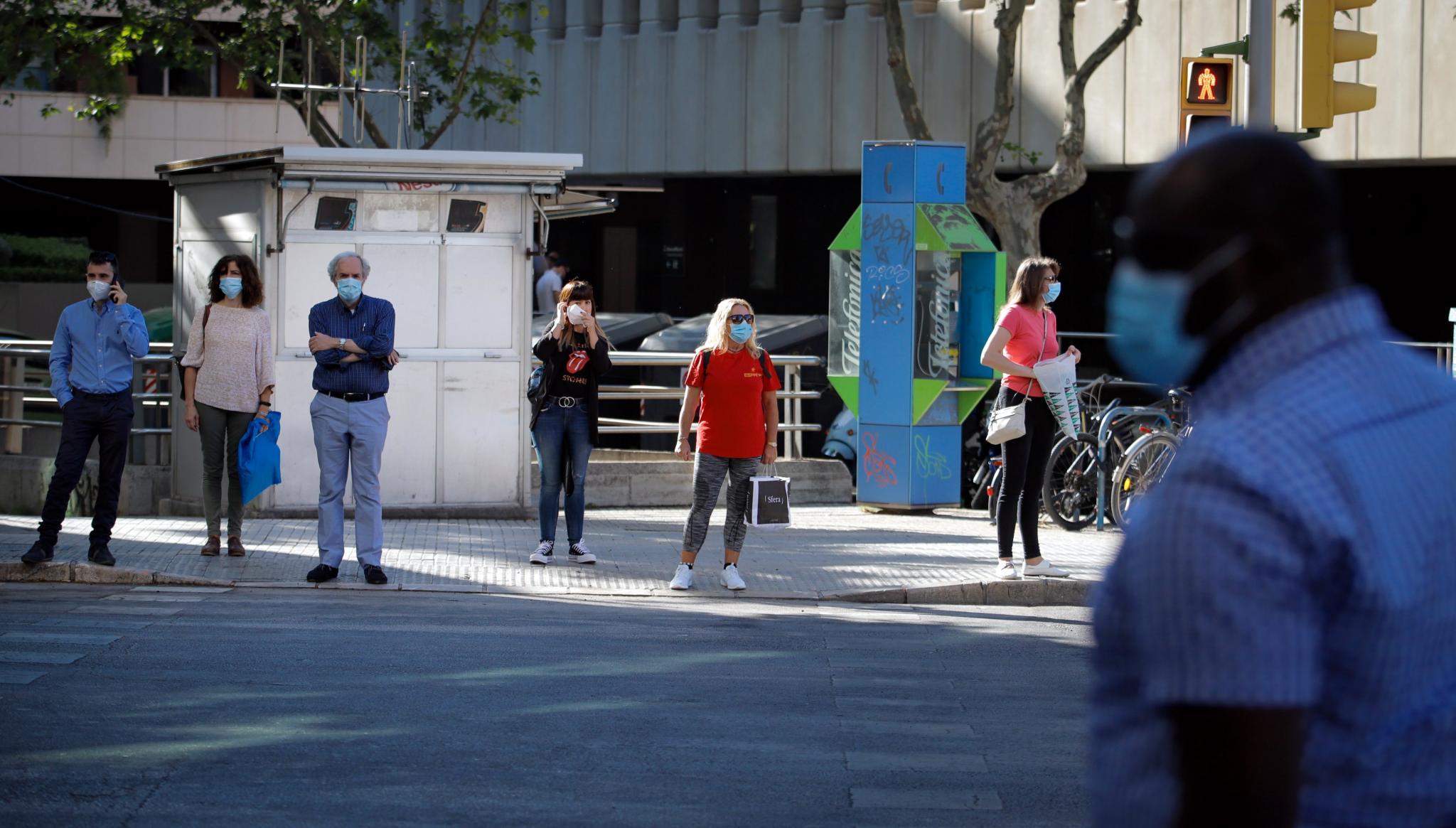 palma uso obligatorio de mascarilla - fotos en la zona de avenidas