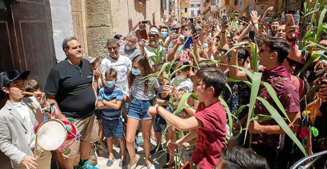 Solche Ansammlungen wie hier erst kürzlich in Ciudadella auf Menorca will man nicht mehr sehen.