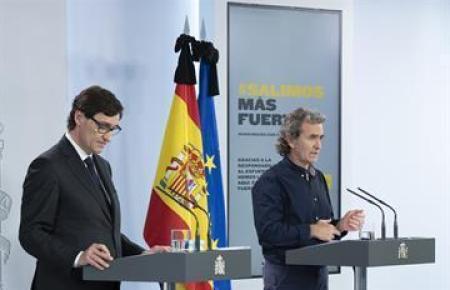 Gesundheitsminister Illa (l.) und der Corona-Beauftragte Fernando Simón.