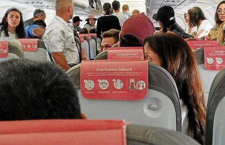 Flugzeugkabine in Vor-Coronazeiten.