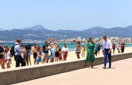 König Felipe VI. und Königin Letizia an der Playa de Palma vor einigen Tagen.