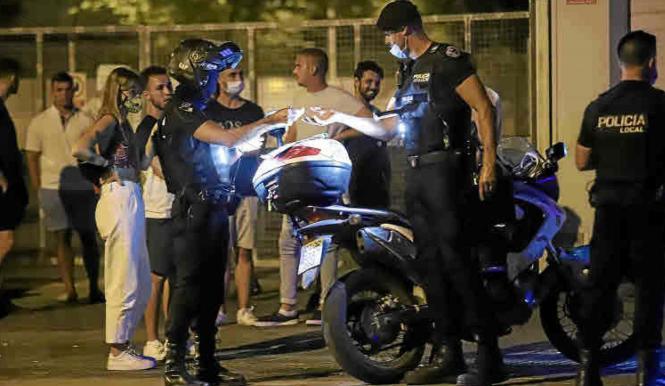 Viele Jugendliche zeigten sich beim Polizei-Einsatz relativ uneinsichtig.