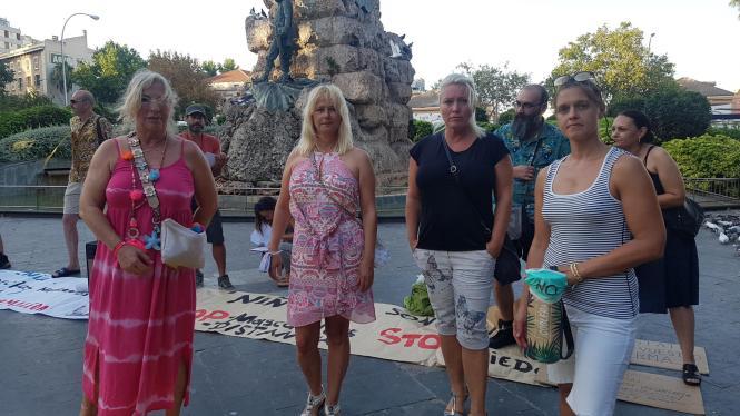 Sind gegen die ab Montag strenge Maskenpflicht: von li nach rechts Karin Gritzmacher, Jeanette Hölterhoff, Simona Dietrich und Miriam Völling
