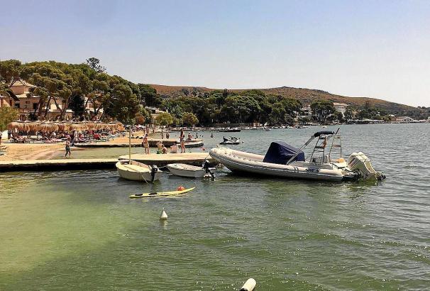 Blick auf den Strand von Port de Pollença.
