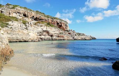 Klares Wasser, kleine Buchten – Mallorca ist so vielseitig.