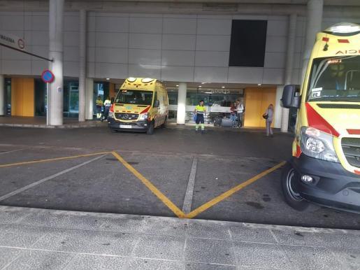 Krankenwagen vor einem Hospital auf Mallorca.