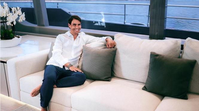 """Rafael Nadals Lächeln lässt erahnen, dass er sich auf der """"Great White"""" schon wie zu Hause fühlt."""