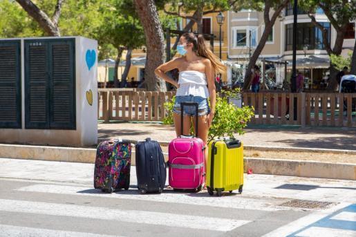 Eine Urlauberin auf dem Weg der Heimreisenach England?