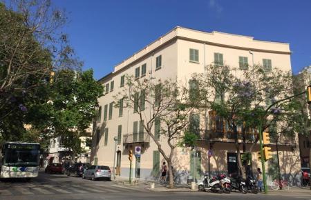 """In dem Hotel-Gebäude befand sich früher das """"Hostal Baleares""""."""
