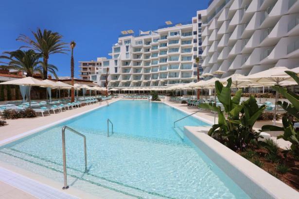 Blick auf ein Iberostar-Hotel.