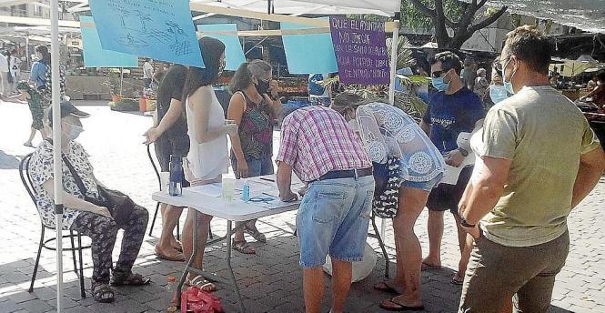 Stadträtin Conchi Baleato sammelte Unterschriften für besseres Trinkwasser.