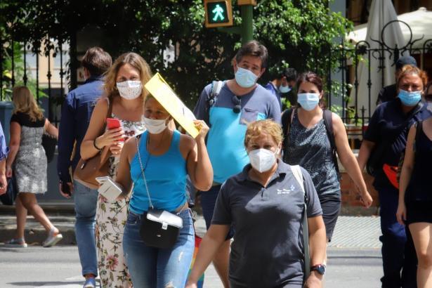 In diesen Tagen gilt es auf Mallorca sich mit allem möglichen vor Sonne und Hitze zu schützen.