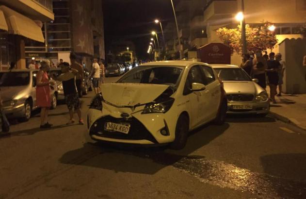 Eines der beschädigten Fahrzeuge.