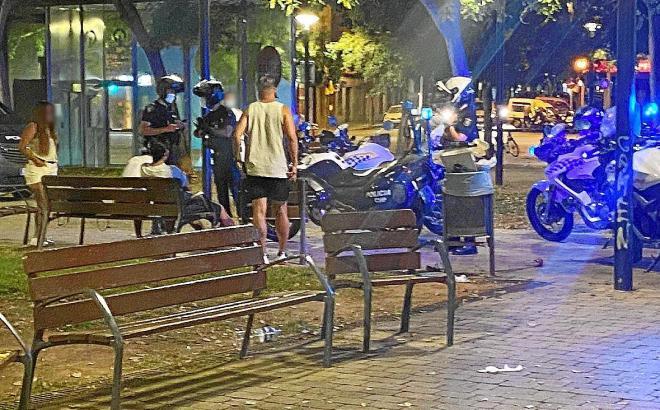 Die Polizei geht gegen jugendliche Corona-Sünder vor.