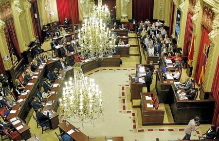 Im balearischen Parlament passiert bis September nichts mehr.