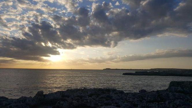 Momentan gibt es Wolken und Sonne über den Balearen.
