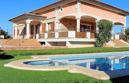 Wie wird meine Ferienimmobilie besteuert? Diese Frage stellen sich viele Hausbesitzer auf der Insel.