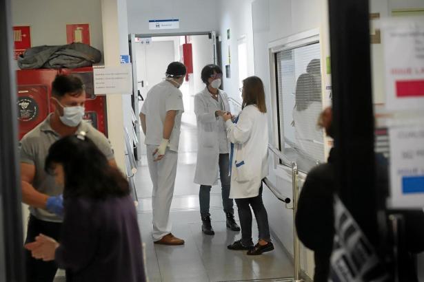 Corona-Ärzte im Krankenhaus von Son Espases.