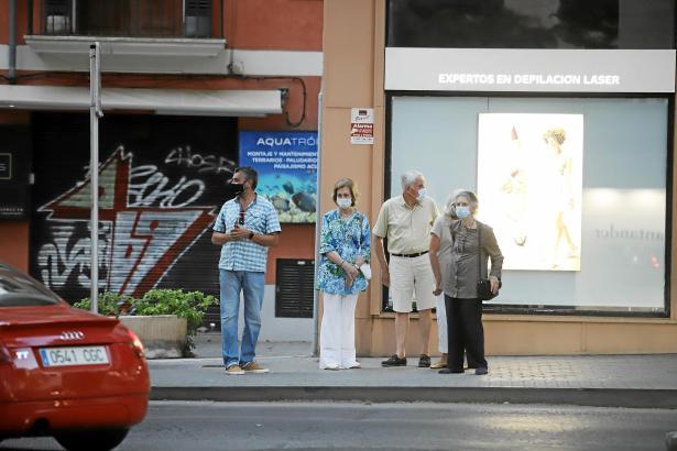 Die vier spazierten durch die Gassen von Palma.