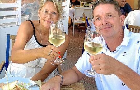 So vertraut beim Speisen sieht man Madeleine und Jens Lichy in diesen Tagen nicht. Sie kümmert sich ums Hotel im Allgäu, er betreibt den Aufbau des Cafés Madeleine in Llucmajor.