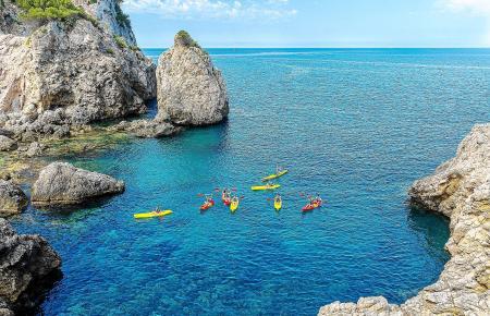 Paddelnd Mallorcas kleine Trabanteninseln erkunden: Zahlreiche Touranbieter machen es möglich.
