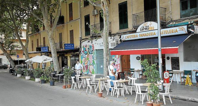 Erweiterte Terrassen an der Plaça dels Patins