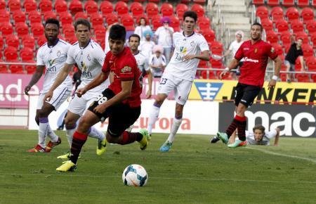 Marco Asensio im roten Trikot von Real Mallorca. Für die erste Mannschaft des Inselclubs spielte er in den Jahren 2013 bis 1015.