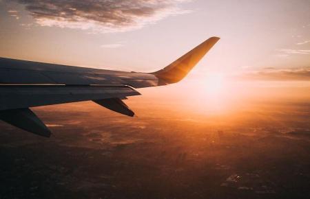 Urlaubsflieger in der Luft.