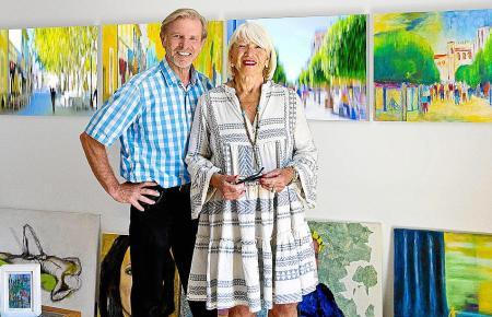 Eine kreative Kooperation und gegenseitige Inspiration: Norbert Schäfer und Barbara Radinger im Atelier der Künstlerin.