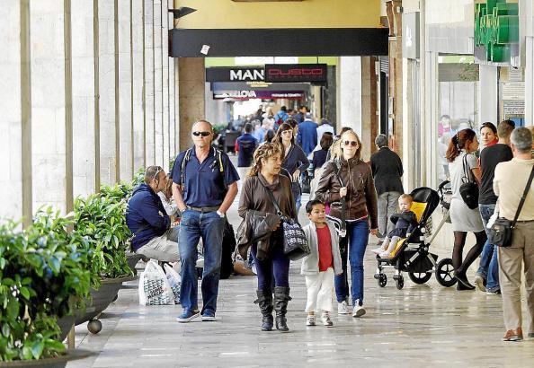 Nach der Corona-Pandemie soll der Einzelhandel auf Mallorca wieder in Schwung kommen. Hier handelt es sich um ein Archivbild.