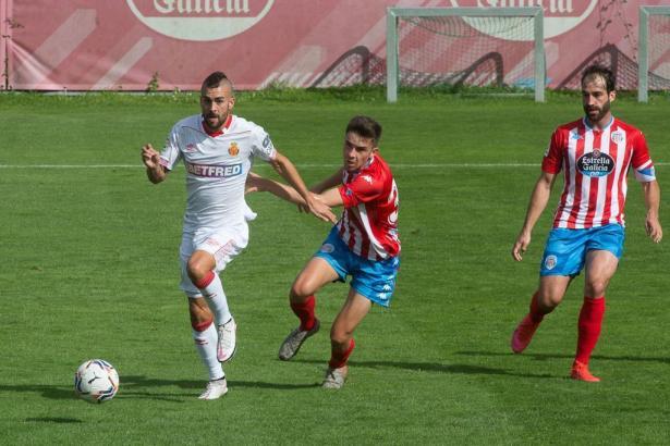 Ganz in weiß konnte Real Mallorca gegen Lugo gewinnen.