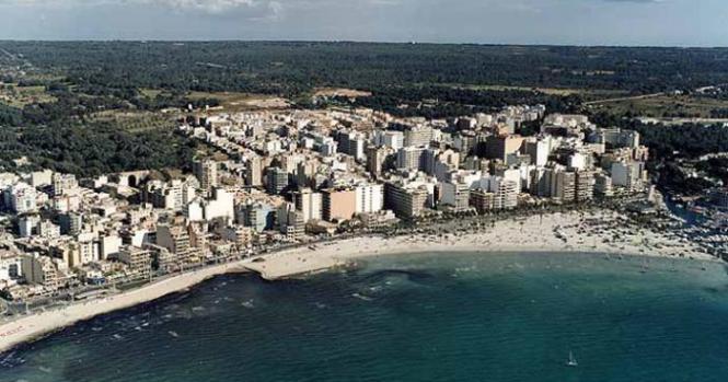 Luftbild von S'Arenal.
