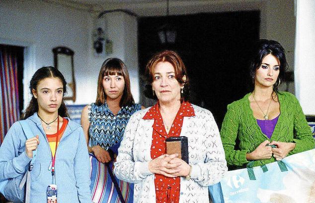 Schließen die Vergangenheit ab: Yohana Cobo als Paula, Lola Dueñas als Sole, Carmen Maura als Irene, Penélope Cruz als Raimunda (von links).