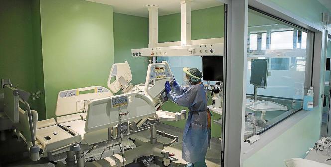 Blick in einen Raum in einem Krankenhaus auf Mallorca.