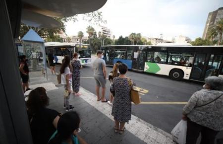 Ungünstige Kombination: Busstreik und Schulbeginn.