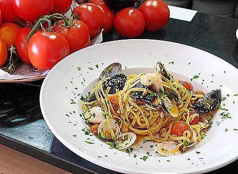 Spaghetti alle Vongole stehen auf der Speisekarte.