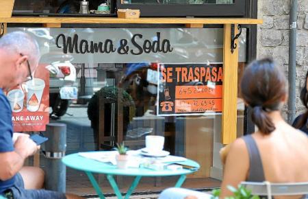 """""""Se traspa""""-Schider sind in Palma häufig zu sehen, die Betreiber möchten ihre Läden und Lokale abgeben."""