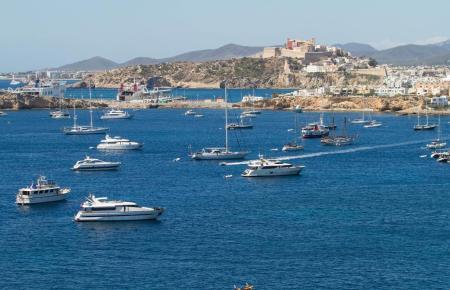 Charterboote sind ein wichtiger Geschäftszweig für die Balearen.