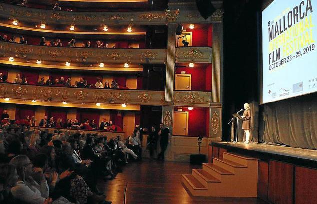 Direktorin Sandra Lipski im Teatre Principal bei der Eröffnung des Festivals im vergangenen Jahr.